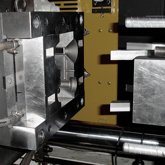 Výroba plastů - forma