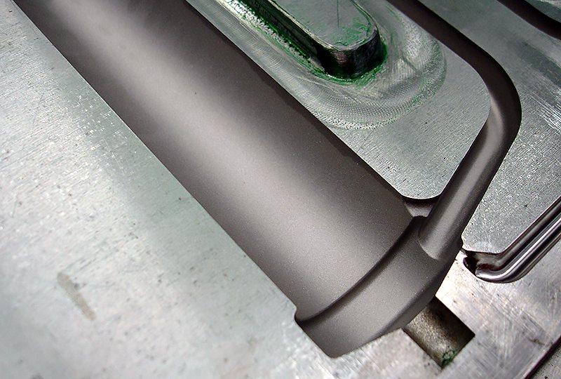 Výroba plastů - rukojeť forma